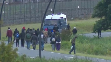 migrants channel tunnel lklv pleitgen wrn_00030508
