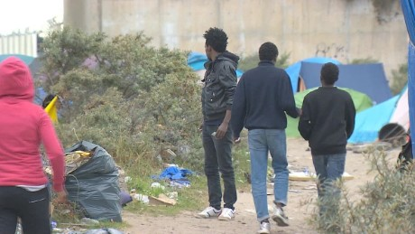 france migrant surge pleitgen pkg_00011701