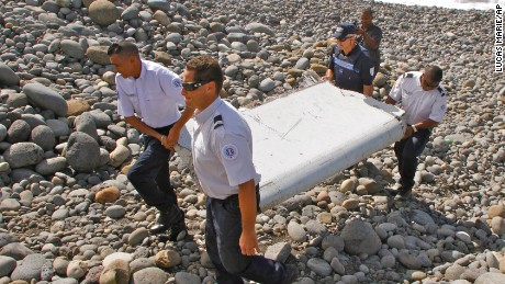 Debris discovered on Indian Ocean island