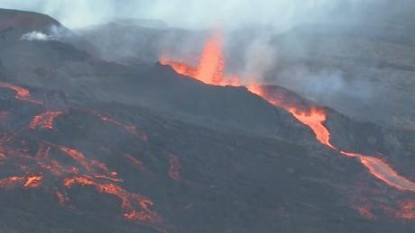 cnnee vo reunion island volcano_00014925