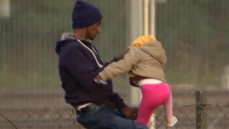 calais migrant crisis tomkins pkg _00010518