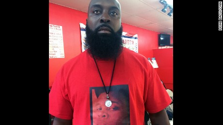Last month, Michael Brown Sr. visited his barber -- but not to have his beard cut.