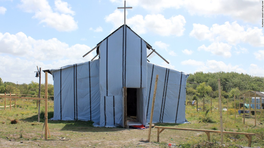 The Eritrean/Ethiopian Christian Orthodox church in the camp is made from materials donated by local people including local churches. Around 100 people pray here every day, according to the pastor, who is a migrant himself.