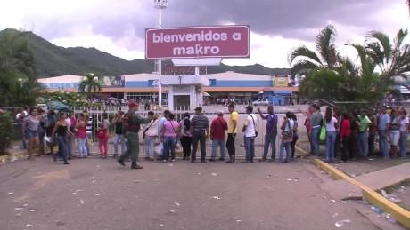 cnnee pkg hernandez shortage on venezuela _00003510