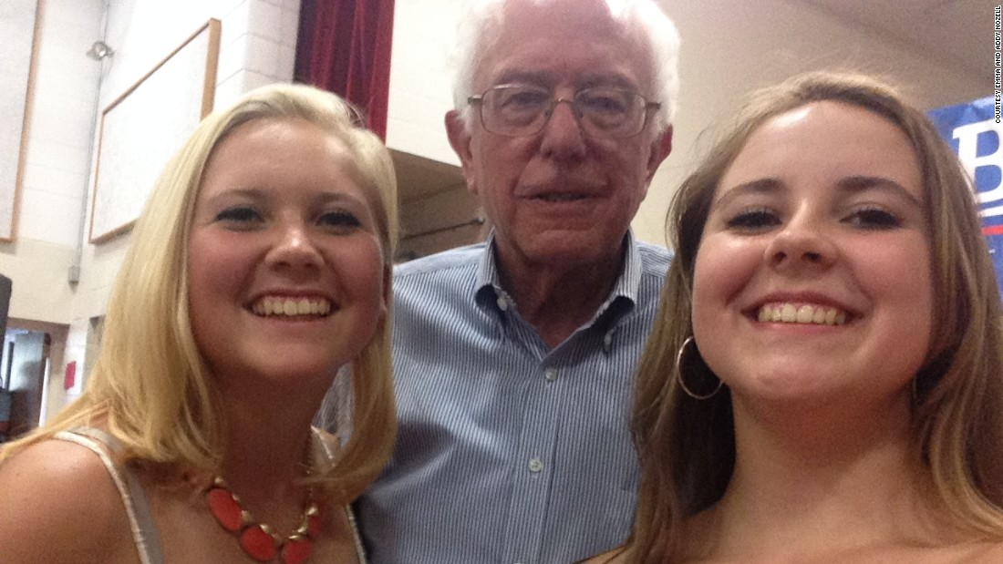 Sen. Bernie Sanders with Emma and Addy Nozell in Franklin, New Hampshire on August 2.
