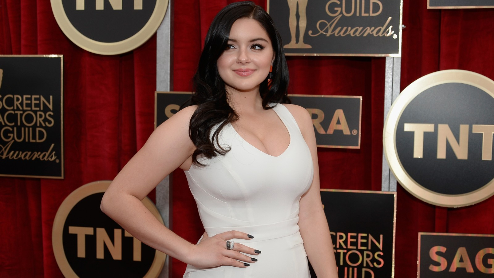 39 modern family 39 star ariel winter has breast reduction. Black Bedroom Furniture Sets. Home Design Ideas