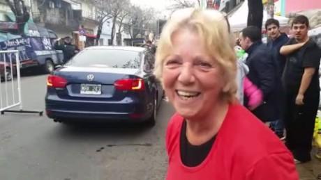 cnnee vo laje beatriz argentina helping flooding_00001413