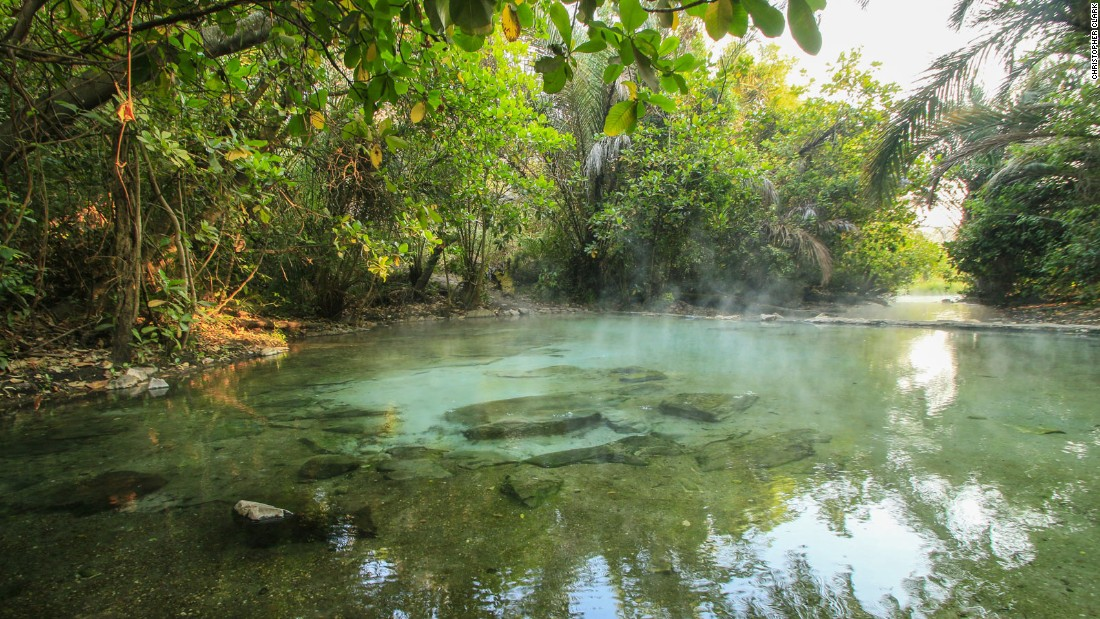 Also on the Shiwa Ng'andu estate are the Kapishya Hot Springs, natural sulfur-free springs heated to a luxurious 41 degrees Celsius (106 degrees Fahrenheit).