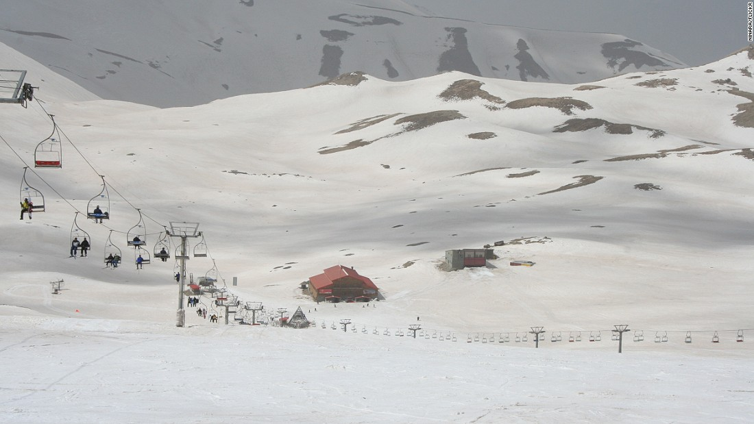 The closest resort to Tehran, Tochal is a safe bet for great snow.