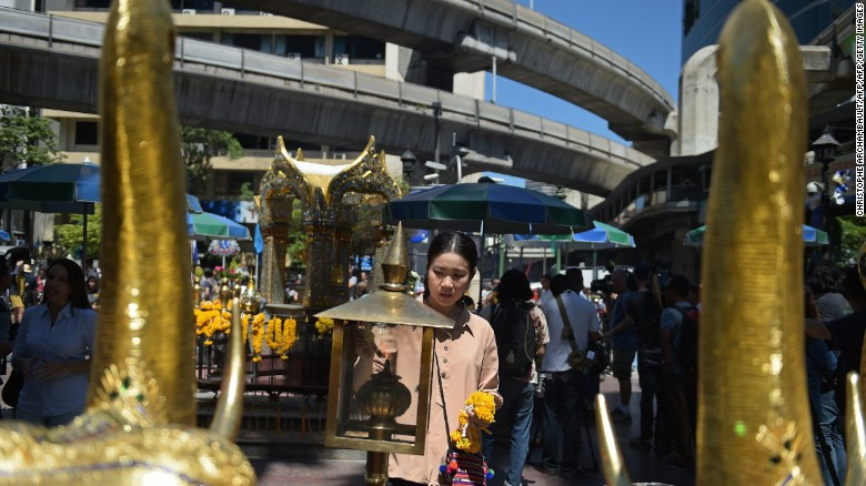Thailand: Erawan shrine reopens to the public
