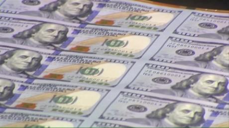 cnnee lkl sarmenti argentina bonus economy _00001928
