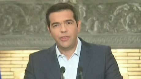 cnnee din intvw alberto bernal greece crisis_00020112