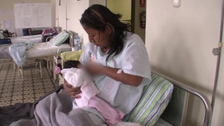cnnee daz Peru breastfeeding_00004110