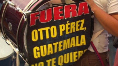 cnnee pkg romo guatemala president perez molina _00000204