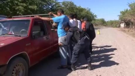 cnnee pkg sandoval honduras protects its borders_00002501