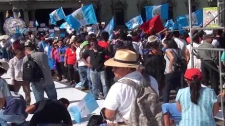 cnnee pkg romo crisis guatemala corruption _00015629