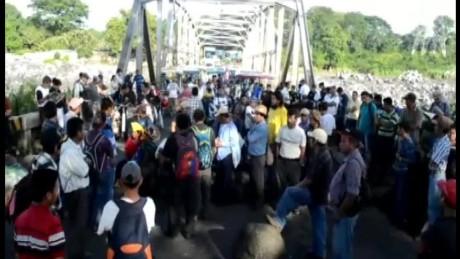 cnnee pkg vasquez more protest in guatemala _00001607