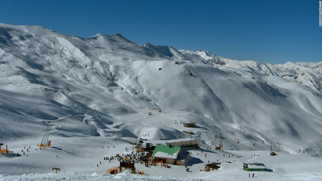 Dizin is the most popular resort with foreign skiers. These are the best facilities Iran has to offer: four gondolas, three chairlifts and nine pull lifts.