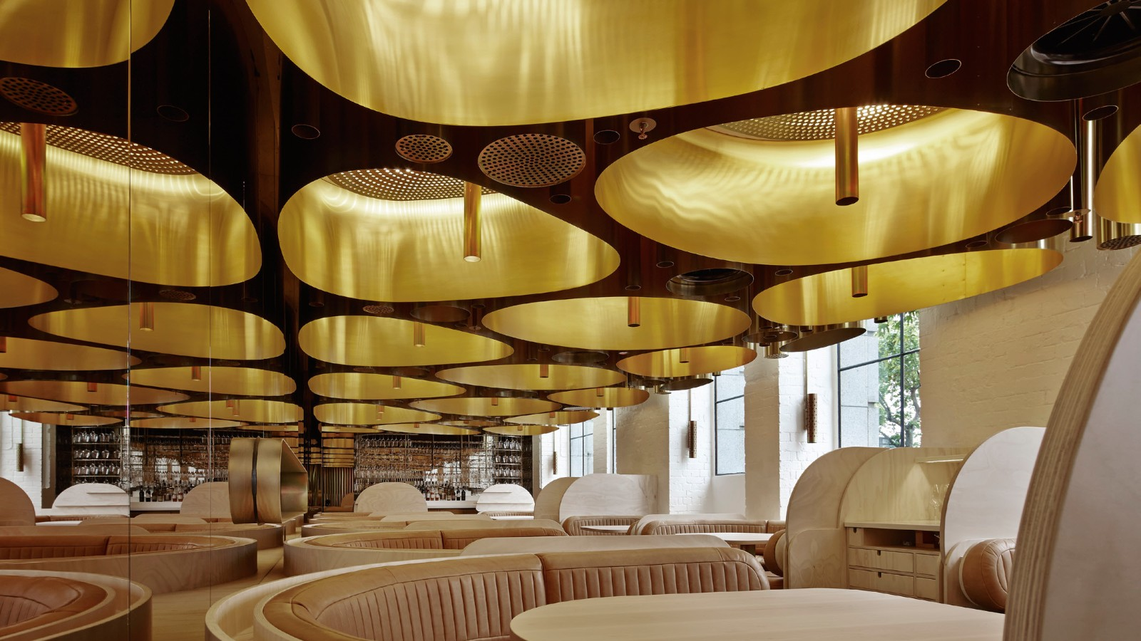 17 stunning restaurant designs from around the world style for Design restaurants club