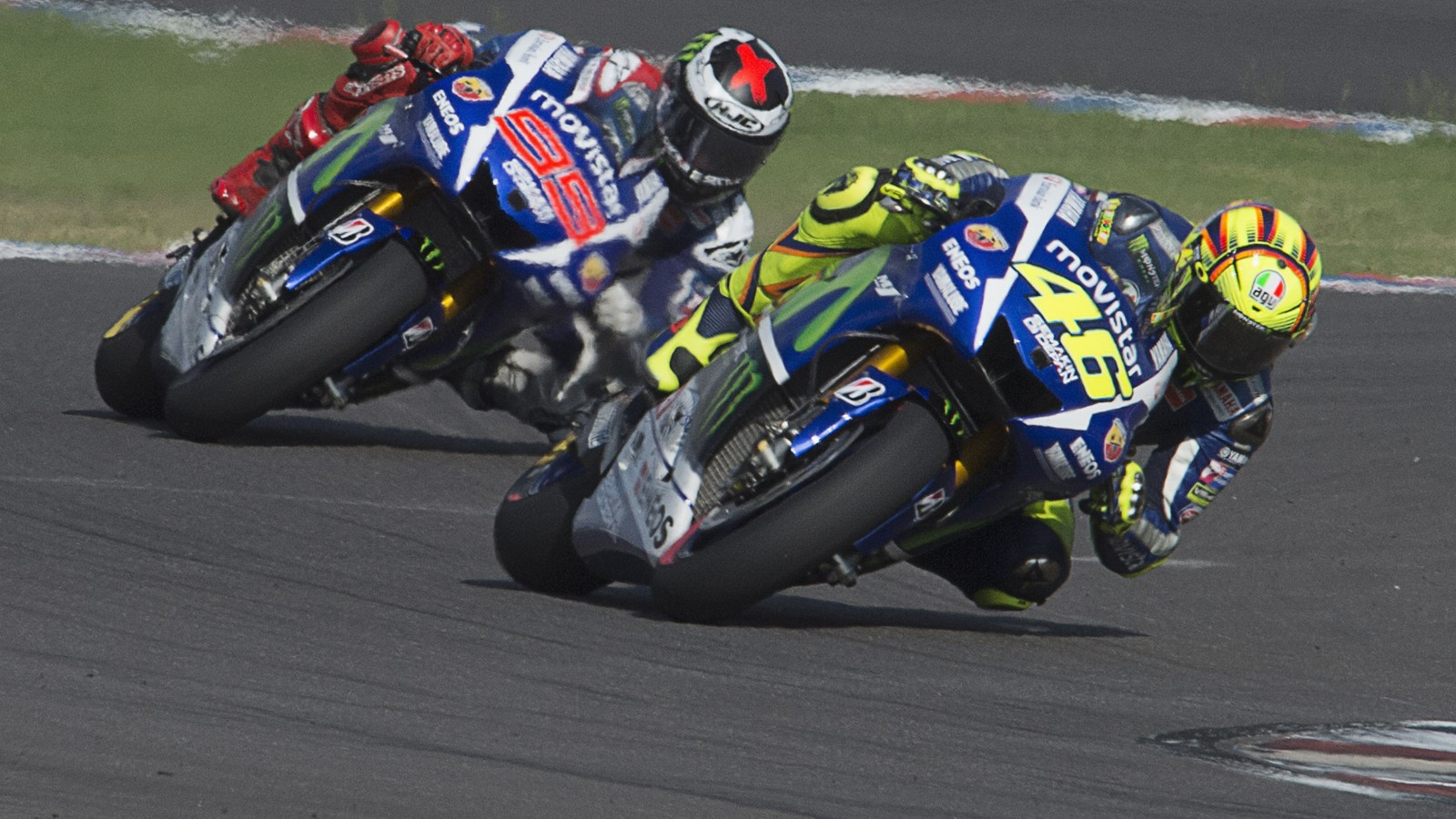 MotoGP: Rossi and Lorenzo resume duel at Silverstone - CNN.com