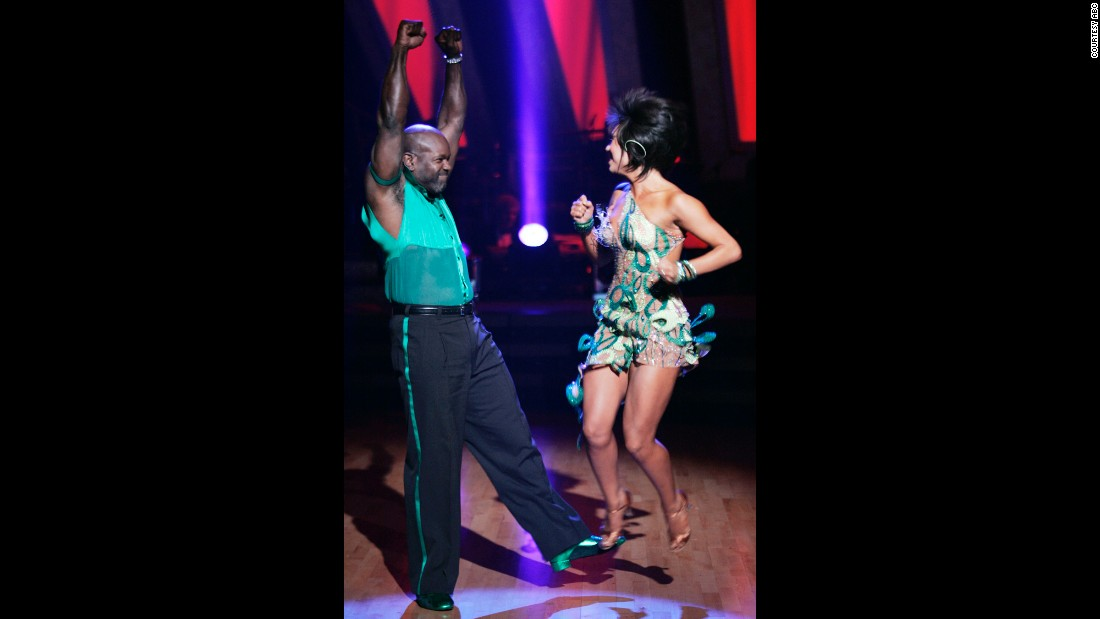 Former football player Emmitt Smith and pro dancer Cheryl Burke won the season 3 competition.