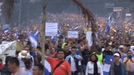 cnnee pkg sandoval honduras protests outraged_00015927