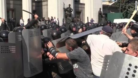 ukraine violence dnt sciutto tsr_00001106.jpg