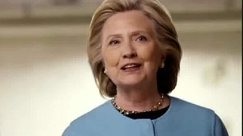 Clinton courts middle class & fundraises in the Hamptons