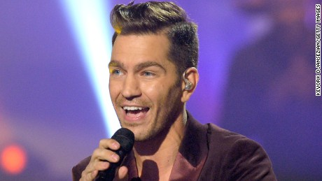 """HOLLYWOOD, CA - MAY 13:  Singer/songwriter Andy Grammer performs onstage during """"American Idol"""" XIV Grand Finale at Dolby Theatre on May 13, 2015 in Hollywood, California.  (Photo by Kevork Djansezian/Getty Images)"""