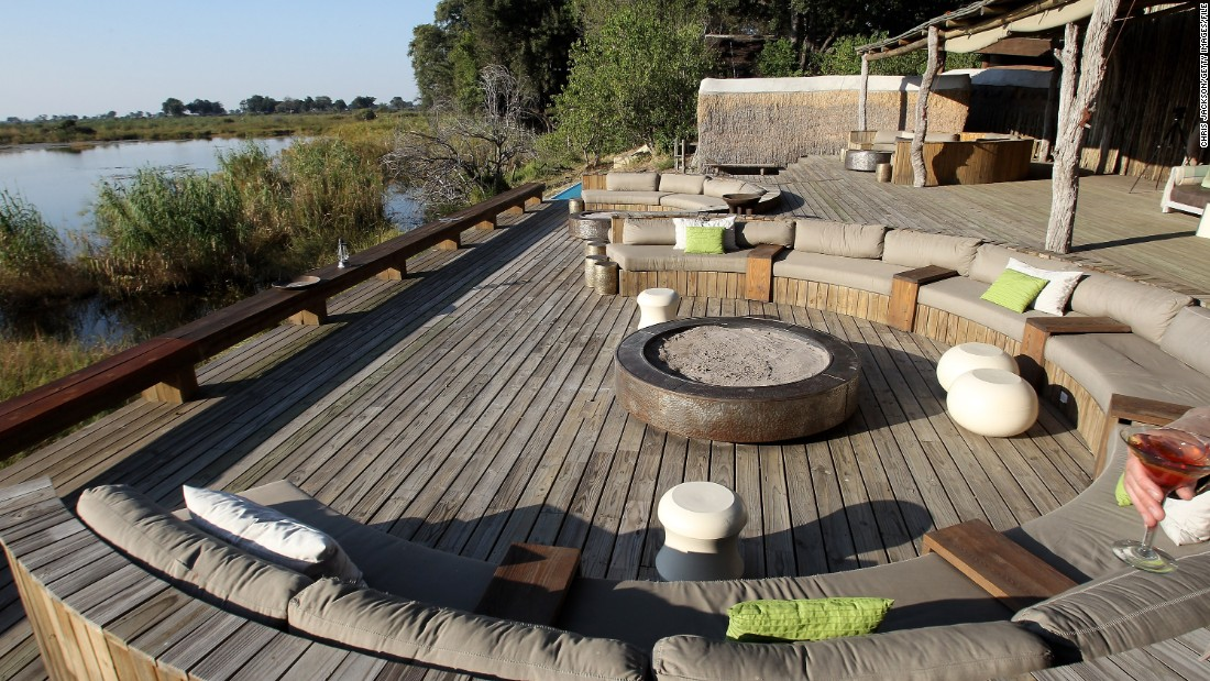 Kingspool Luxury Safari Camp in the Okavanga Delta follows Botswana's trend to keep tourism more environmentally friendly.