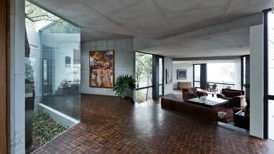 "<a href=""http://www.tatianabilbao.com/"" target=""_blank"">Tatiana Bilbao's</a> Casa Ventura was inspired by modernist homes from the 1950's."