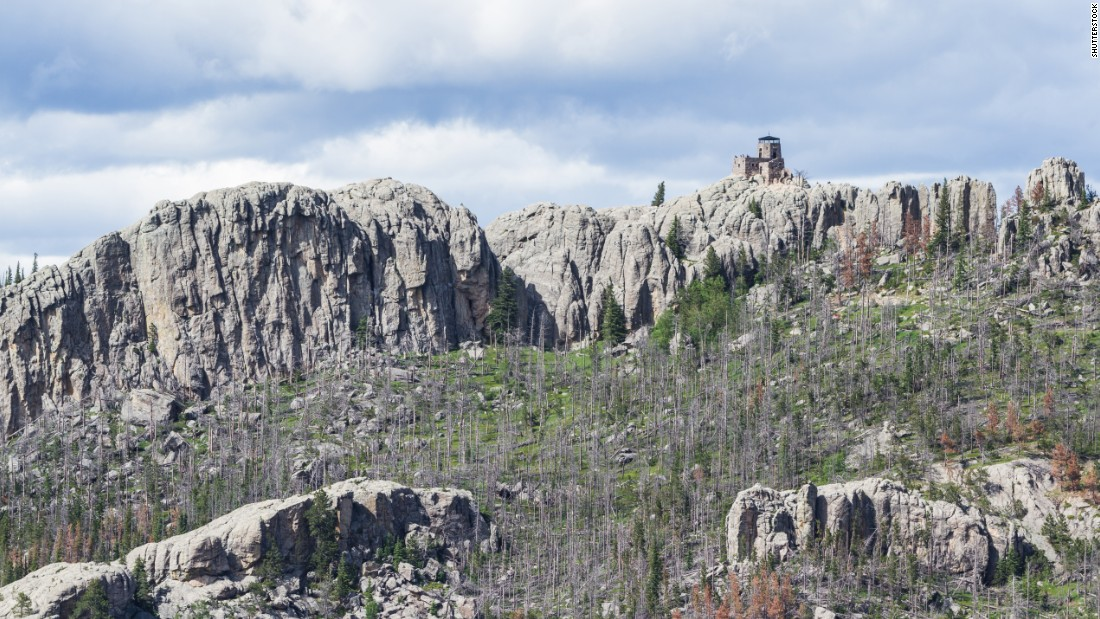 South Dakota's board on geographic names voted to retain the name of Harney Peak after there was debate over the proposed native name Hinhan Kaga (Making of Owls).