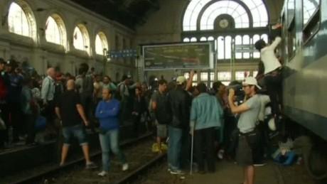 migrants allowed in rail station pleitgen intv_00022326