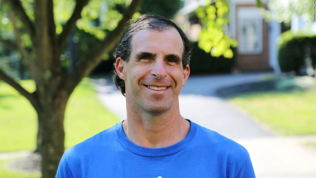 "<a href=""http://www.cnn.com/2015/09/03/health/cnn-heroes-sabgir/index.html"">Cardiologist Dr. David Sabgir's</a> nonprofit spurs doctors and patients to meet for regular walks."