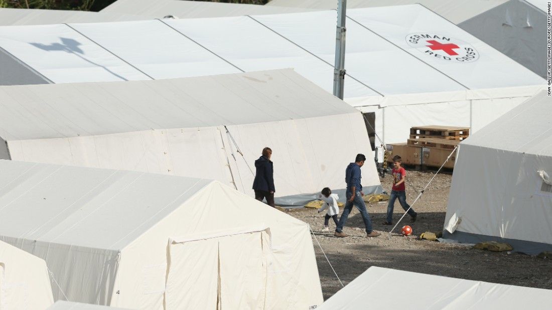 Germany expects to receive 800,000 asylum seekers in 2015, four times more than in 2014.