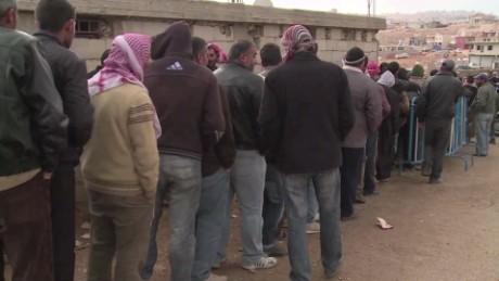 cnnee pkg levy syrian refugees crisis _00004720