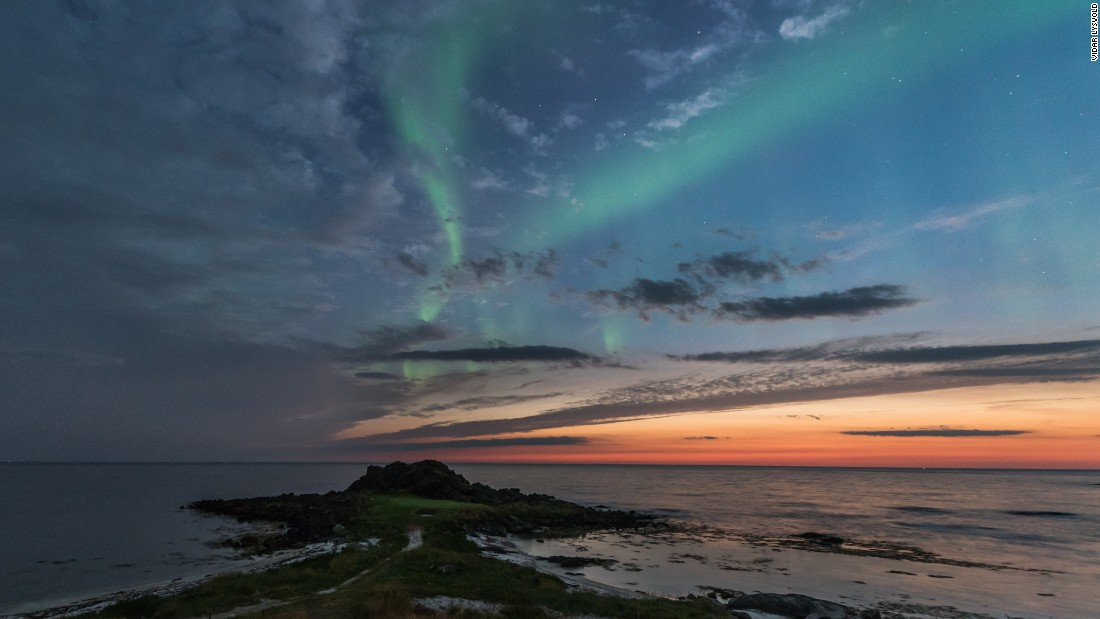 Lofoten Links also offers opportunities to watch the Aurora Borealis (Northern Lights).