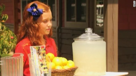chloe lemonade stand raises thousands pkg_00003517