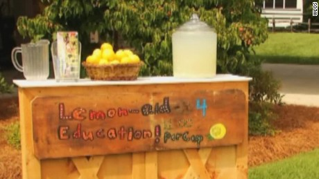 chloe lemonade stand raises thousands pkg_00012229