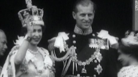 early days of queen elizabeth quest pkg_00023719.jpg