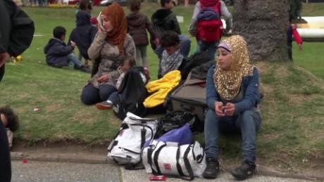 cnnee pkg klein syrian refugees in uruguay _00005507
