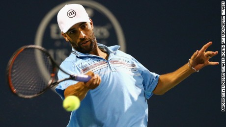 NEW HAVEN, CT - AUGUST 27:  James Blake returns a forehand to Andy Roddick during their match as part of the Men's Legends presented by PowerShares Series on Day 4 of the Connecticut Open at Connecticut Tennis Center at Yale on August 27, 2015 in New Haven, Connecticut.  (Photo by Maddie Meyer/Getty Images)