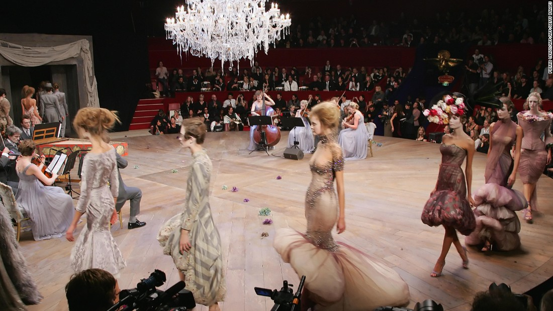 For his spring/summer 2007 show, Alexander McQueen took attendees to The Round at Cirque d'Hiver-Bouglione, which is a legendary circus in Paris. A single chandelier hung as the center piece for the show, while a chamber orchestra played throughout.