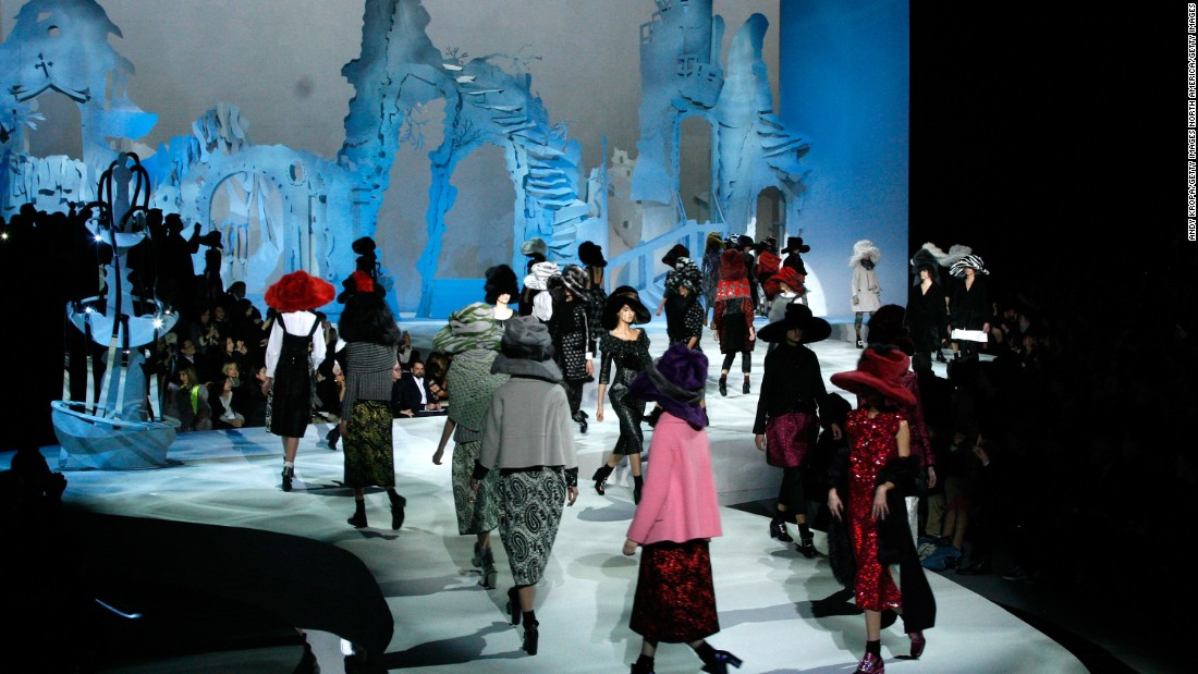 Teaming up with sculptor Rachel Feinstein for this particular production, Marc Jacob's fall/winter 2012 show was set against the backdrop of a peculiar and morbid looking castle, constructed entirely out of paper.