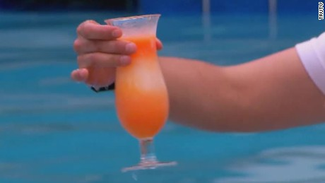 poolside cocktail tablets carbonaro effect_00011608