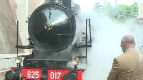 pope opens railway to public wedeman pkg_00000018