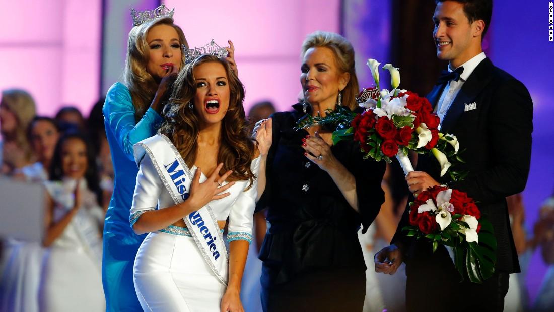 Miss America 2015 Kira Kazantsev, left, crowns Betty Cantrell as Miss America 2016 on Sunday, September 13.