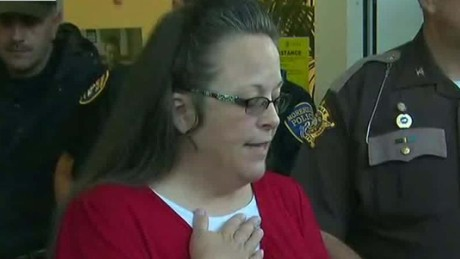 kim davis returns to work sot newday_00003407.jpg