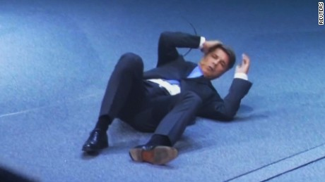 BMW CEO collapses on stage_00001528