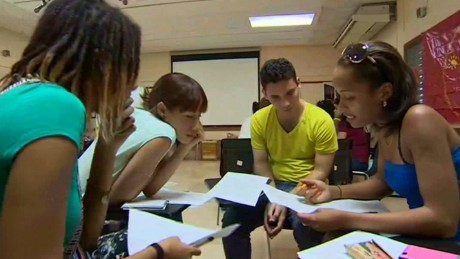 cnnee pkg rodriguez cuba students will talk with pope_00004622